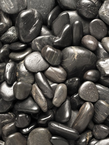 40 kg Polished Black River Pebble Stones