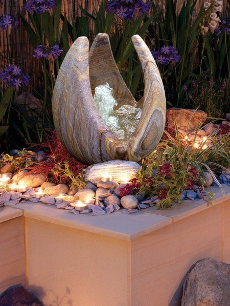 40cm Babbling Lily Rainbow Sandstone Water Feature