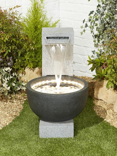 Solitary Pour Water Feature