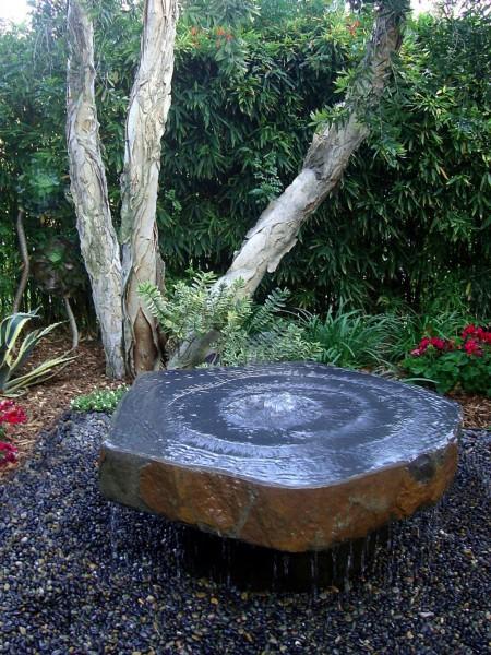 Large Babbling Basalt Fountain