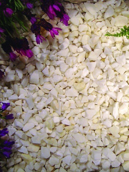 Classic White Stone Chippings Bulk Bag