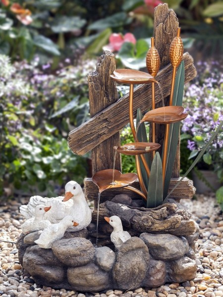 Solar Happy Duck Family at Plants Water Feature